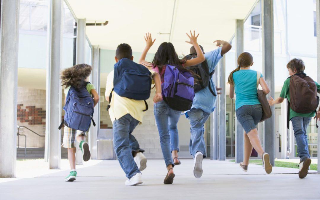 Zaino scolastico: causa mal di schiena?