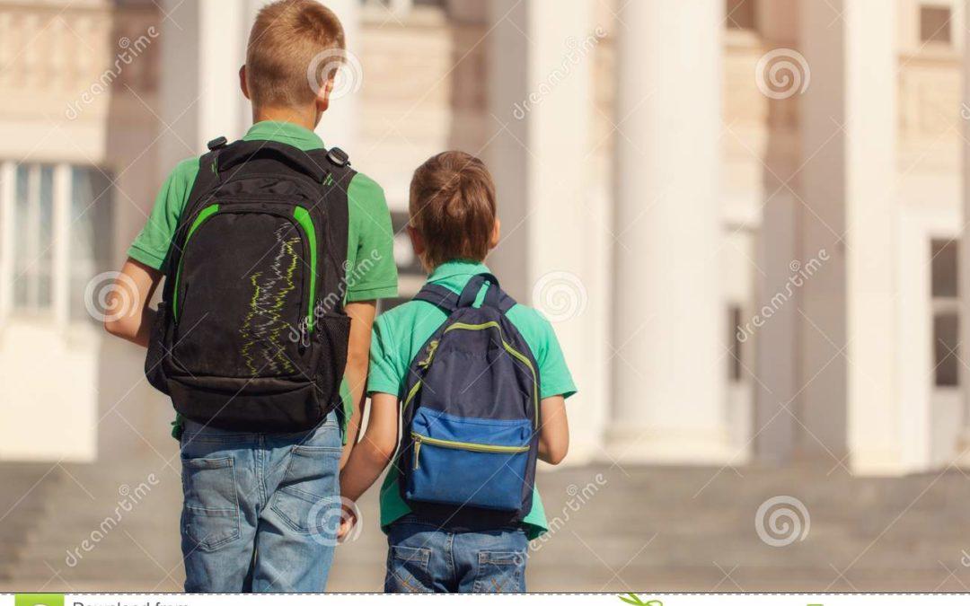 Lo zaino scolastico causa mal di schiena?